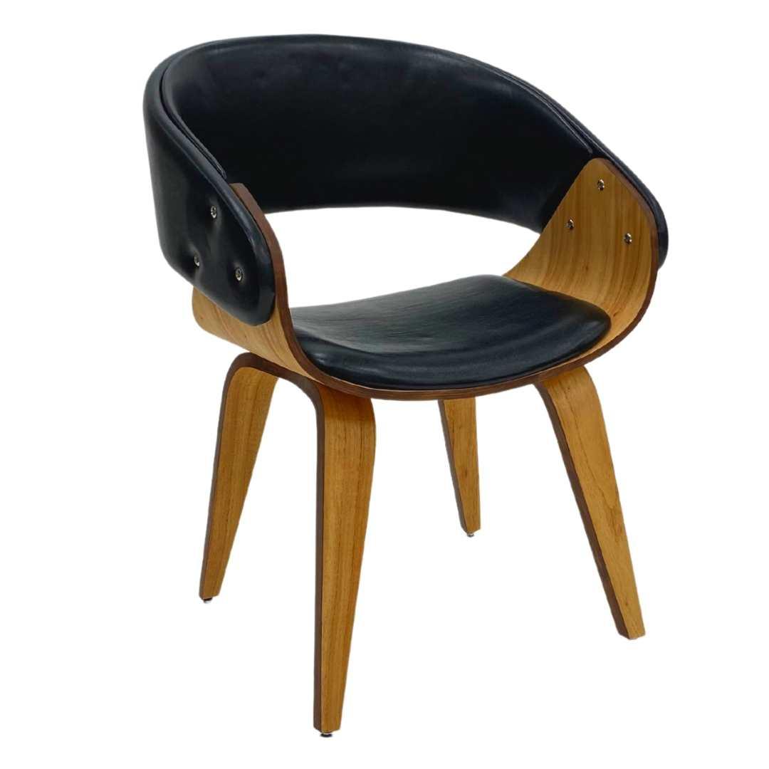 cadeira-para-sala-de-jantar-fama-com-madeira-cinamomo-estofada-preto-brilho-lateral